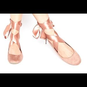 Ballet flats with beautiful lace up ribbon